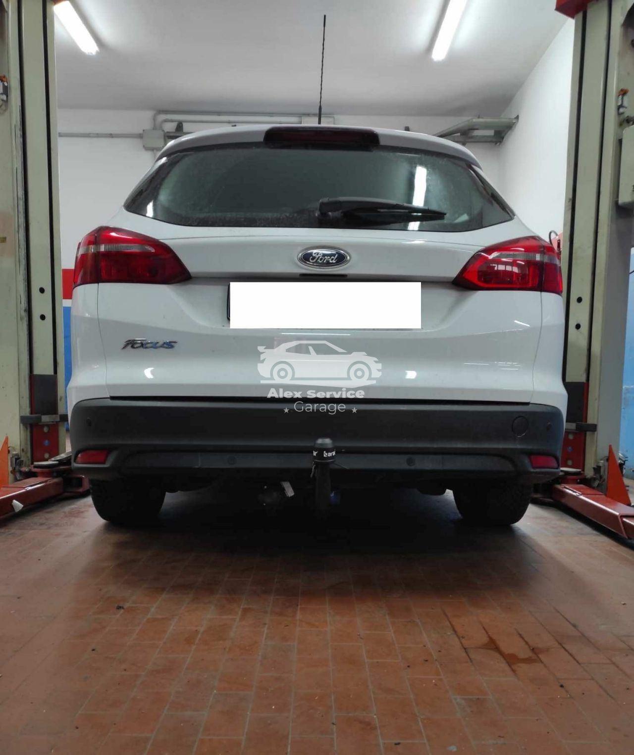 Gancio traino verticale per Ford Focus