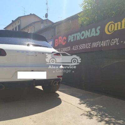 Gancio traino verticale per Porsche Macan