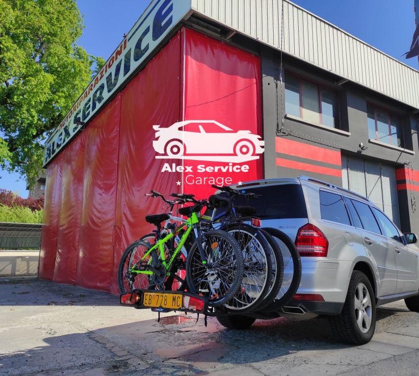 Portabici Towcar T4 su veicolo Mercedes gl